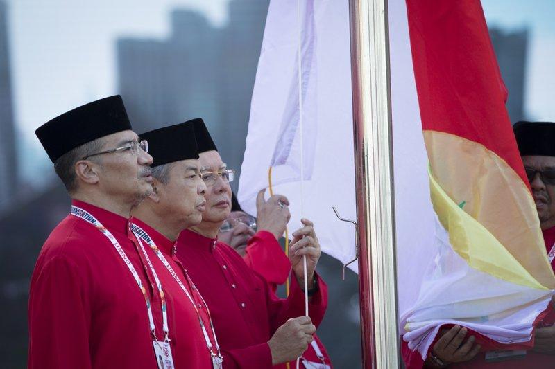 Najib Razak, Zahid Hamidi, Hishamuddin Hussein