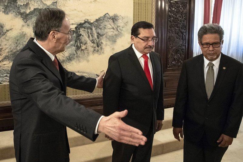 Wang Qishan, Medardo Gonzalez, Carlos Castaneda