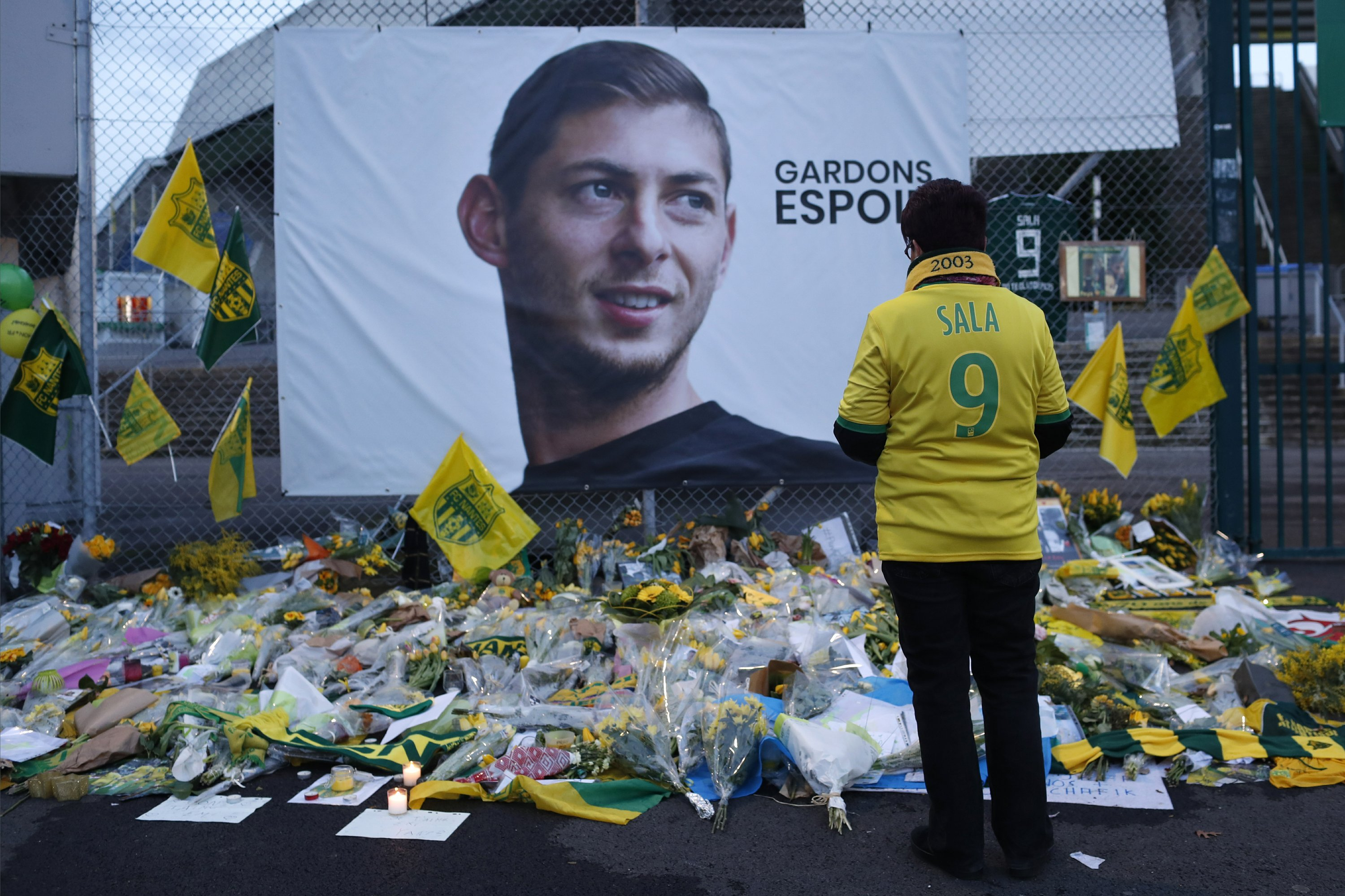 Man leading search for Sala's plane says wreckage found - The Associated Press thumbnail