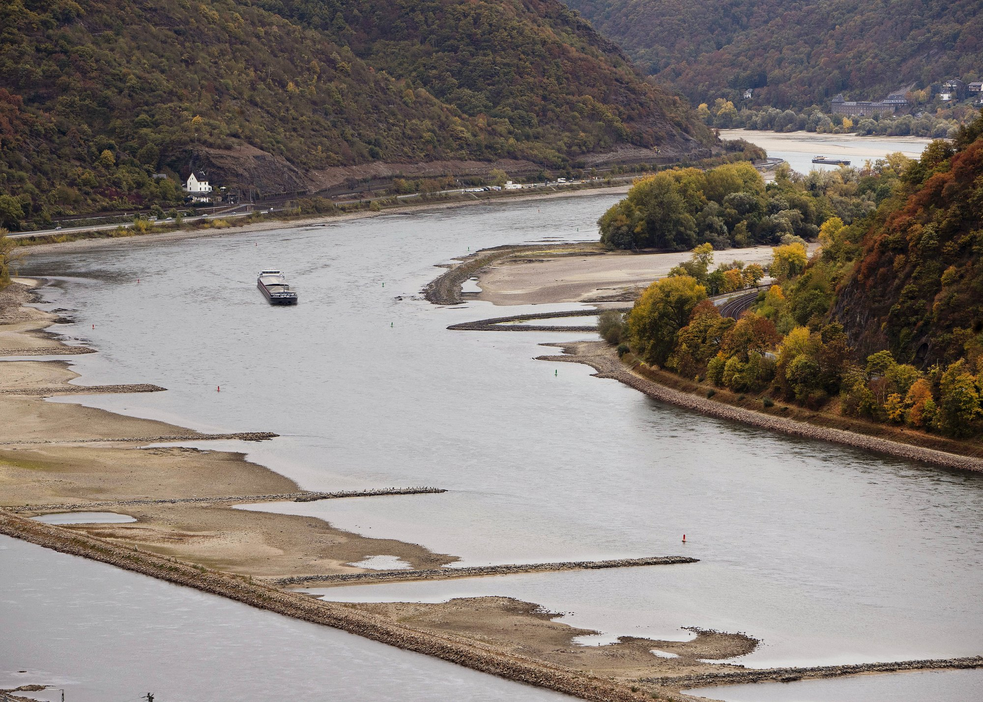Record low Rhine water levels continue to impact commodities
