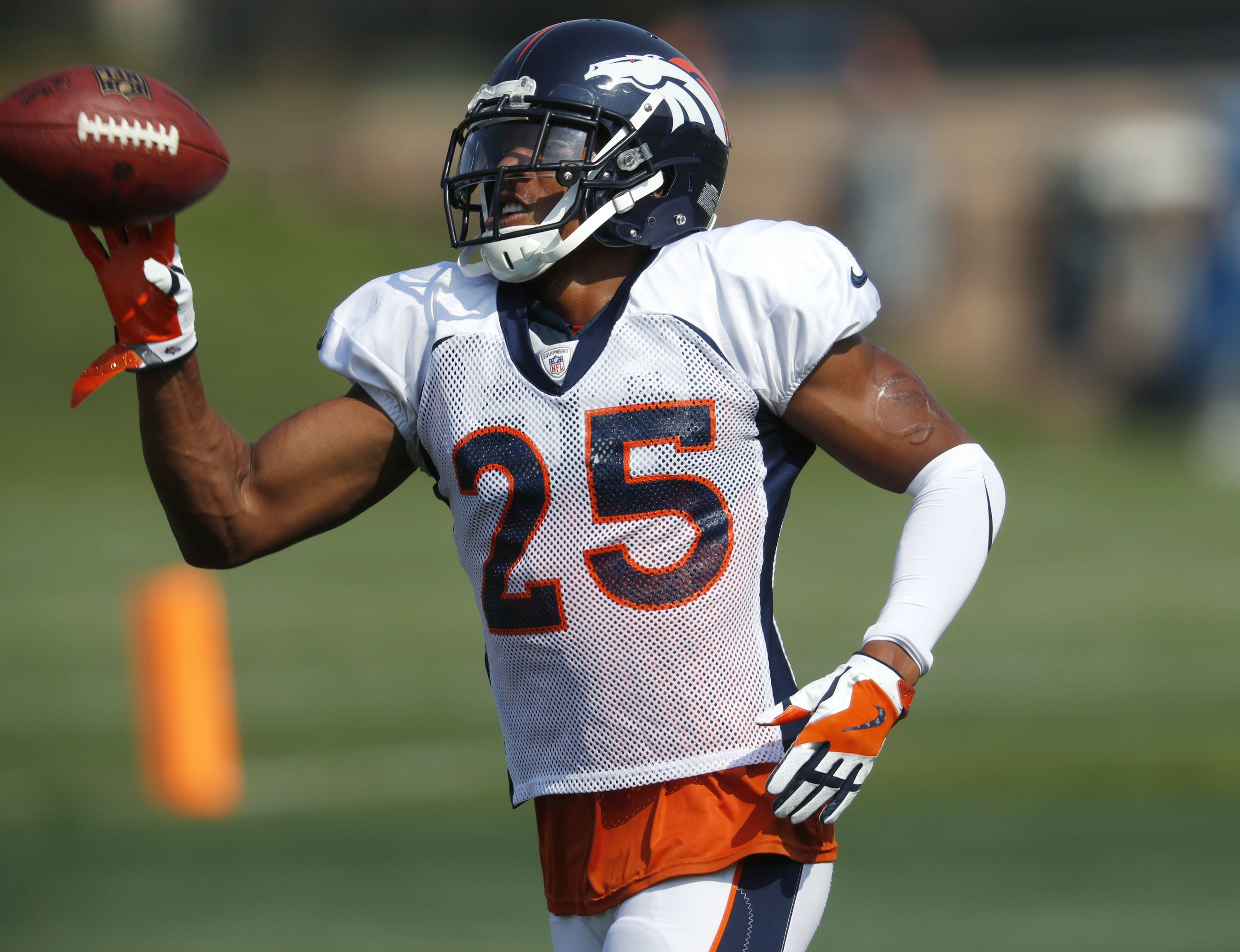 Broncos  Chris Harris tackles new role with Aqib Talib gone 309745412