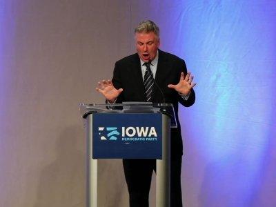 Baldwin Teaches 'Trump School' To Iowa Democrats