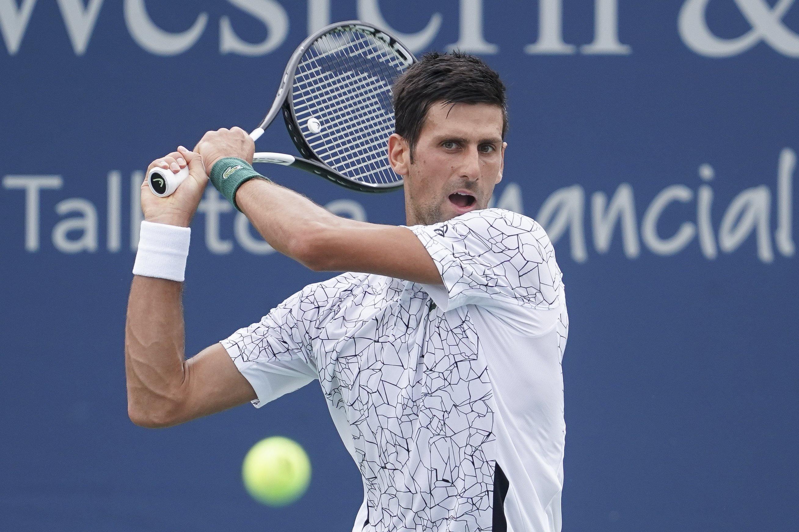 Djokovic Wins In Cincinnati Halep S Match Suspended