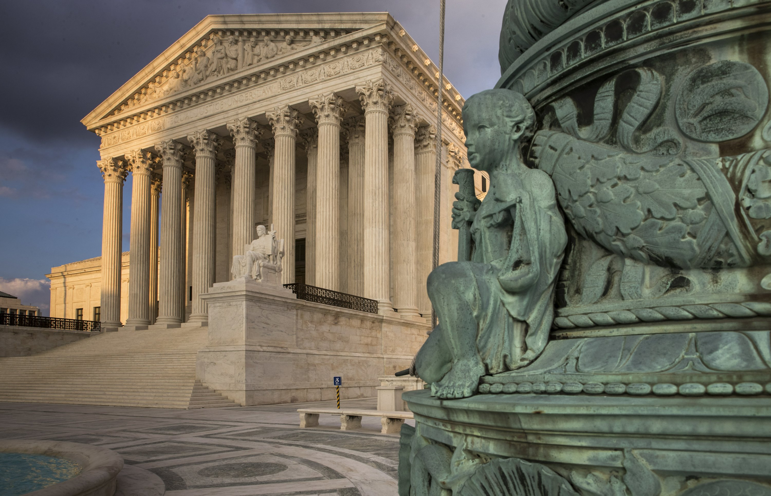 Supreme Court hearing 2 vehicle search cases