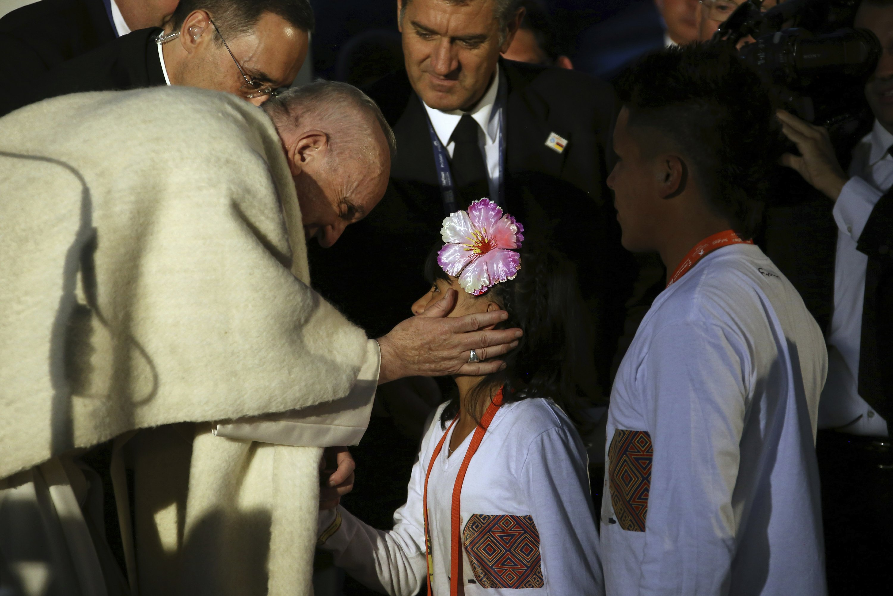 Pope Francis says he brings message of hope to Colombia