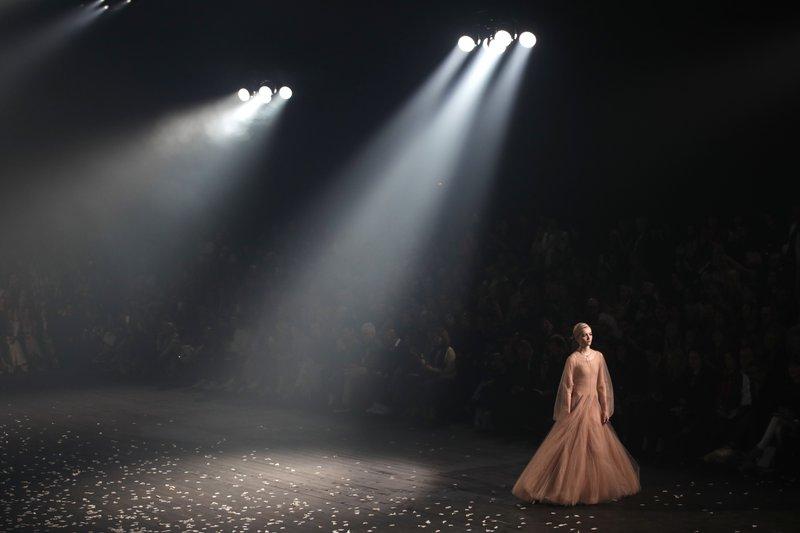 99e3c255c0 Dior and Gucci theatrically kick off Paris Fashion Week