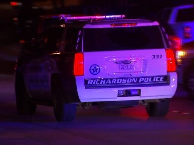 Raw: Officer Shot, Gunman Barricaded Near Dallas