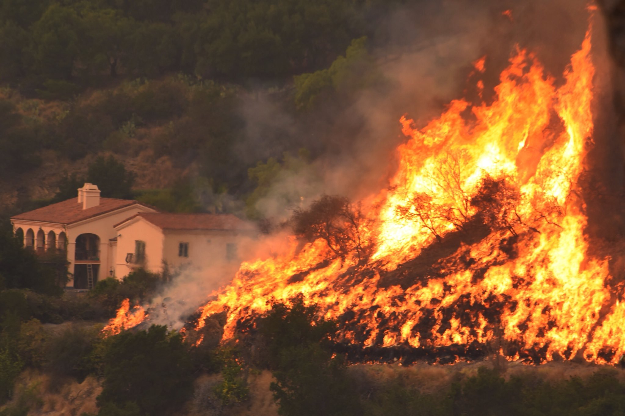 All significant California wildfire evacuation orders lifted