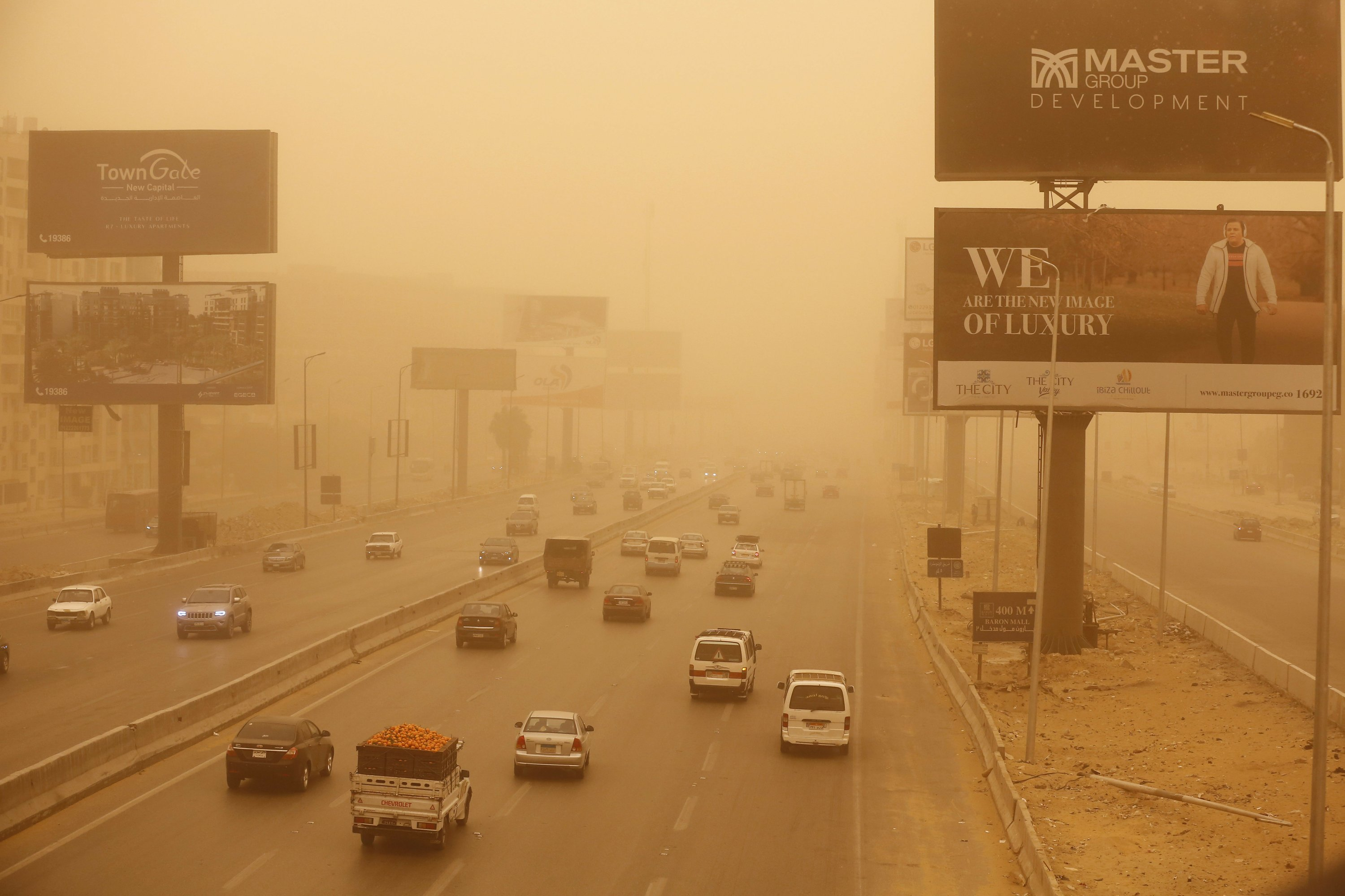 Weather front brings sandstorms, hail, rain to Middle East