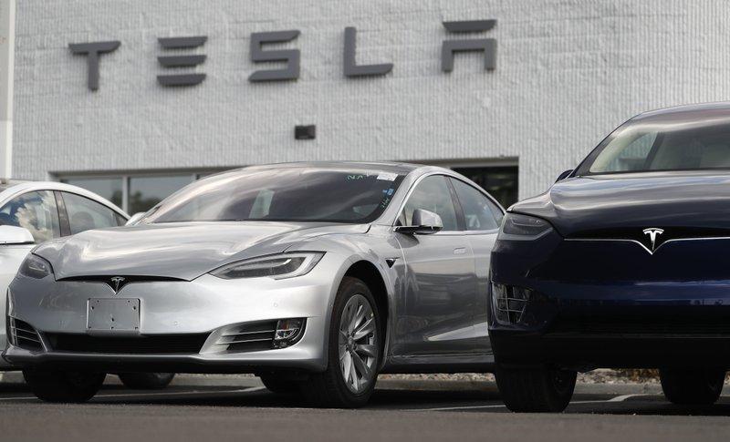 2018 Tesla Model 3, X, r m