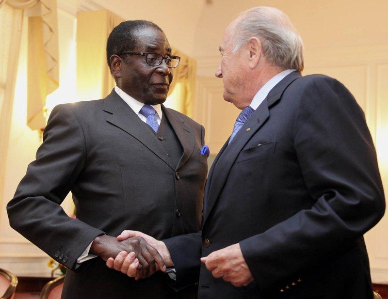 Robert Mugabe, Sepp Blatter