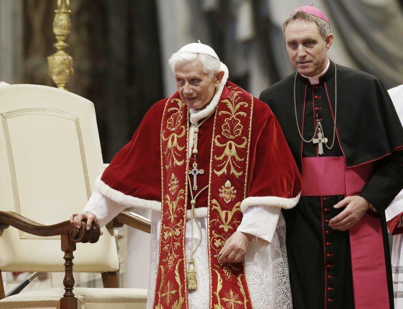 Georg Gaenswein, Benedict XVI