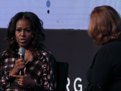 Former First Lady Talks Twitter at Chicago Event
