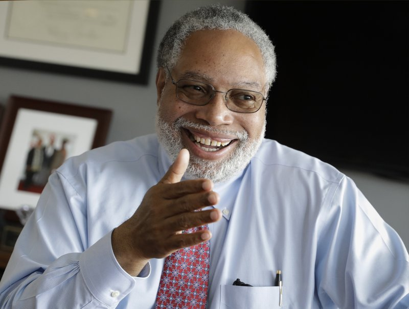 Lonnie Bunch