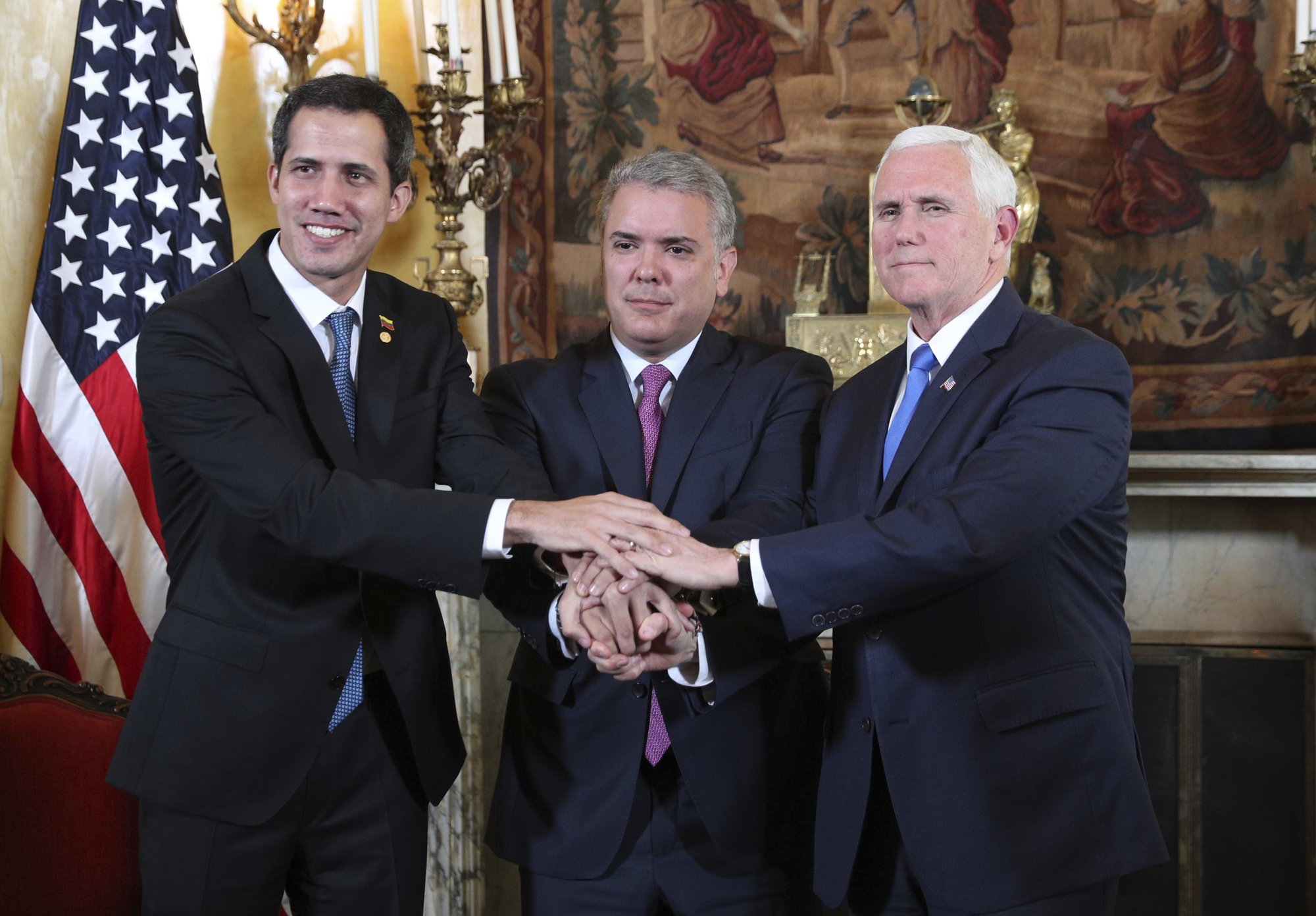 Pence in Colombia announces new sanctions on Maduro
