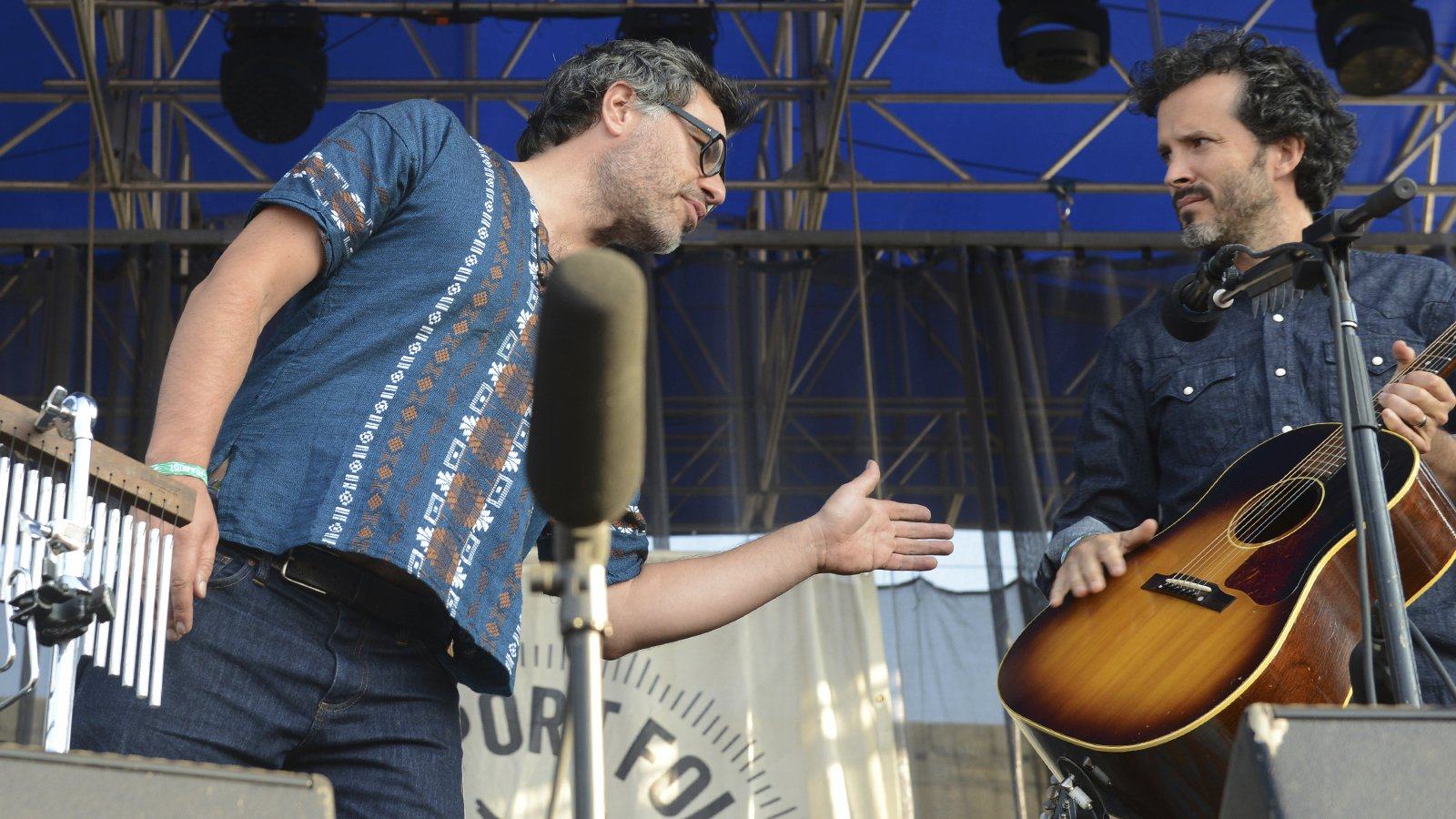 After Broken Hand Flight Of The Conchords Tour Postponed
