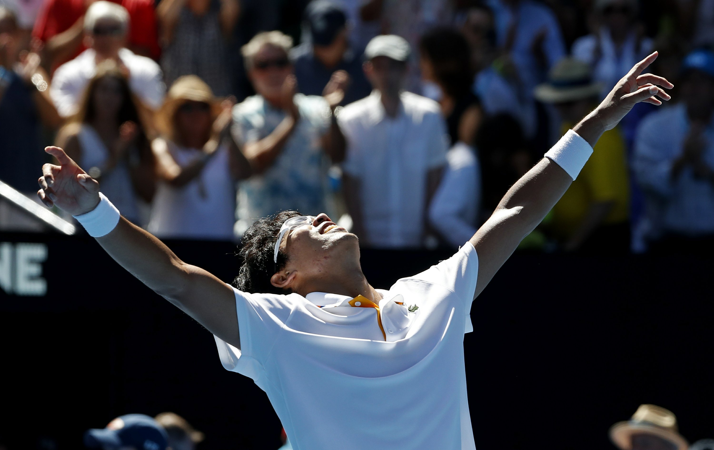 Chung's stunning run continues into Australian Open semis