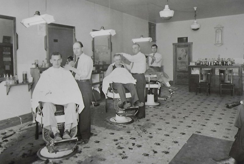 Eric Frydenlund's father's barbershop in Prairie du Chien in the late 1940s