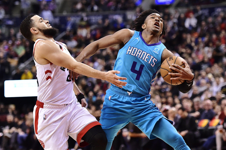 Lamb hits winning 3, Hornets down Raptors 115-114