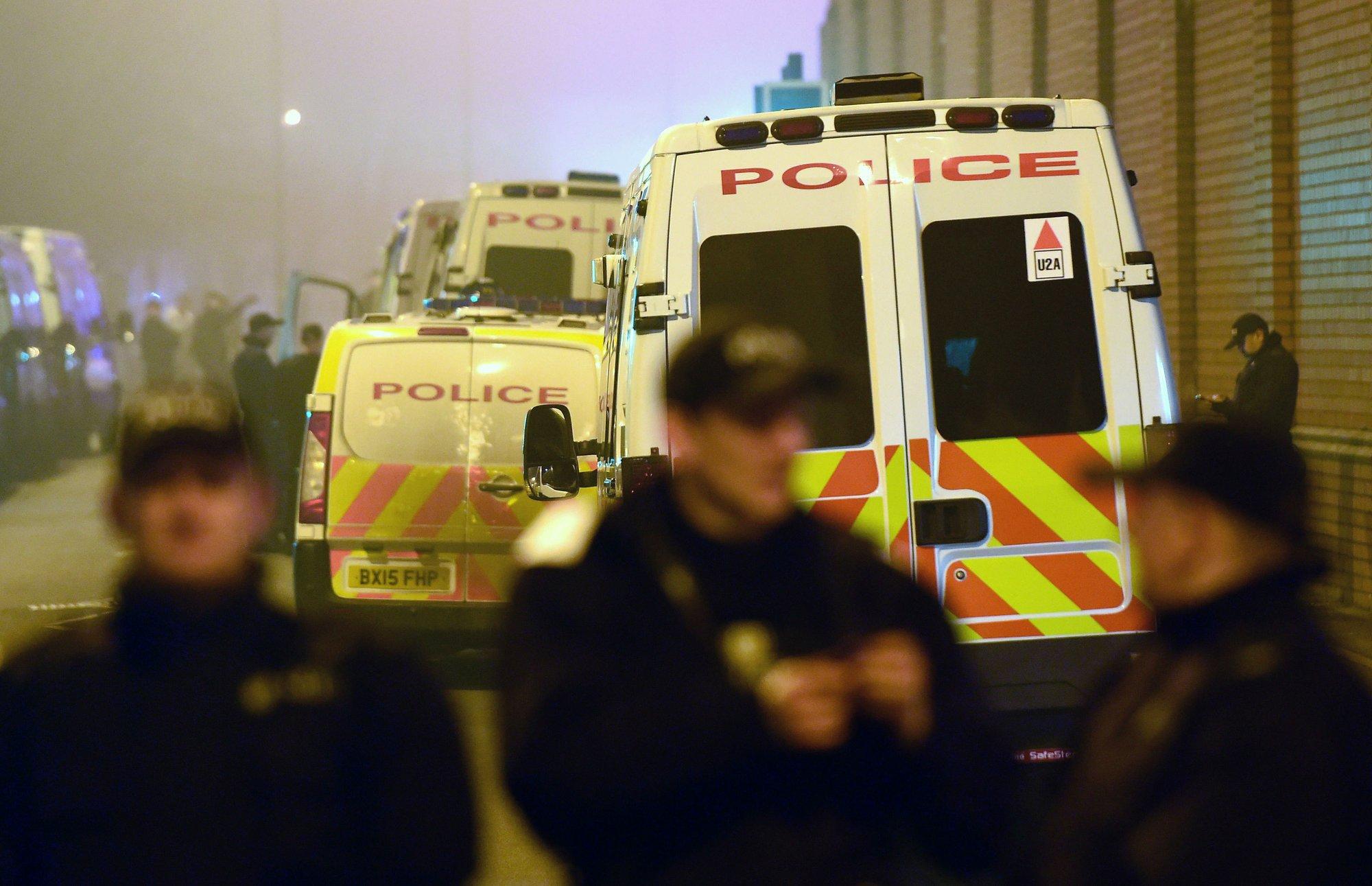 7fc6cc8ae4 UK restores order after worst prison uprising since 1990