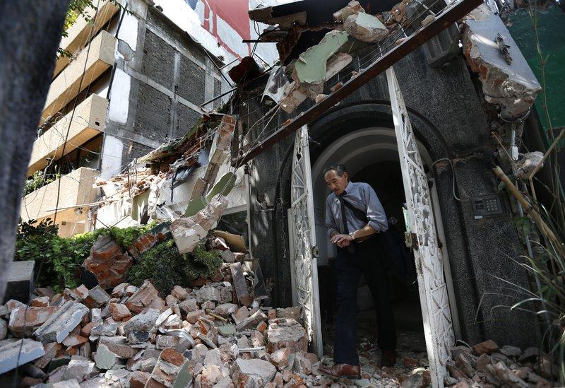 apnews.com - 7.1 magnitude quake kills 79 as buildings collapse in Mexico