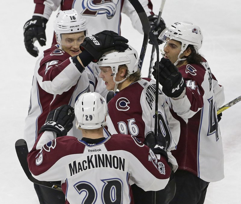c5ae86c4a Mikko Rantanen lifts Avalanche past Hurricanes in OT