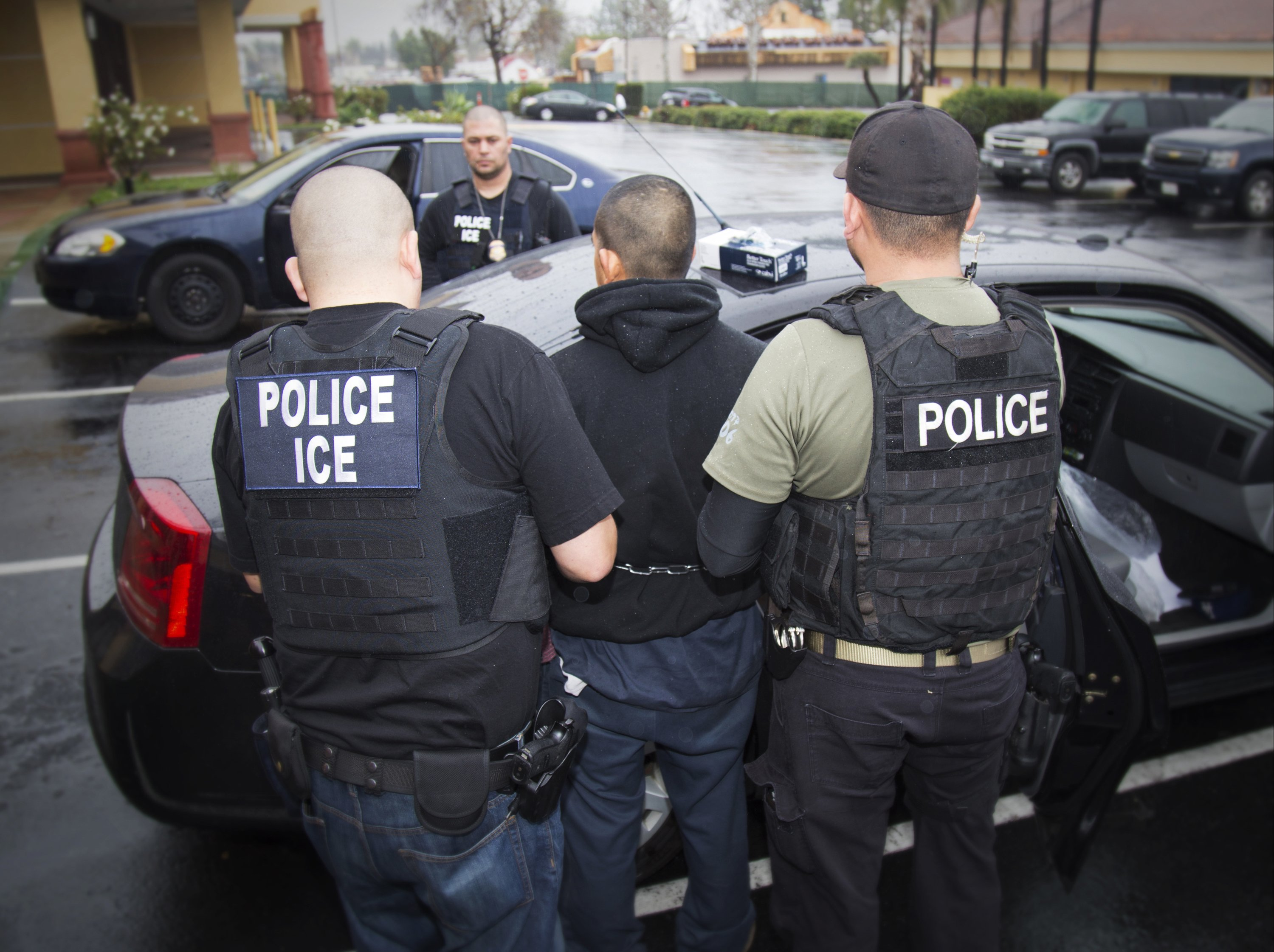 Trump lays out tougher approach to illegal immigration