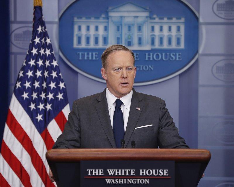 Donald Trump, Sean Spicer