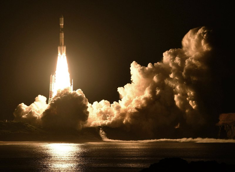 Japan launches Kounotori 7 cargo spaceship to space station