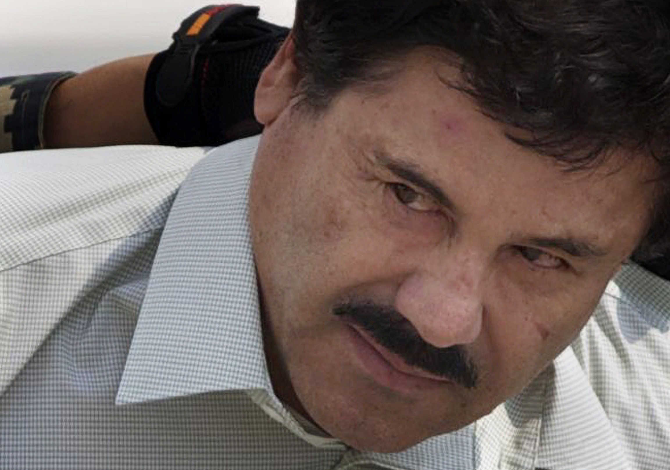 Watch US judge denies El Chapo Guzman a hug from wife in court during trial video