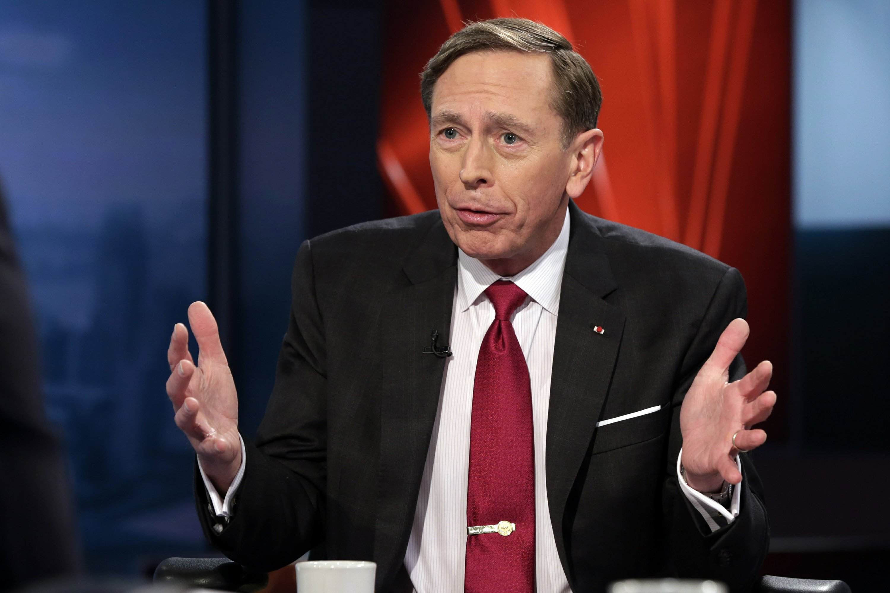 Similarities lacking in Clinton, Petraeus investigations