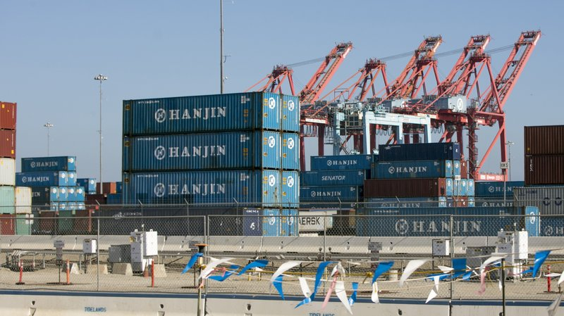 Retailers scramble as shipper bankruptcy puts goods in limbo