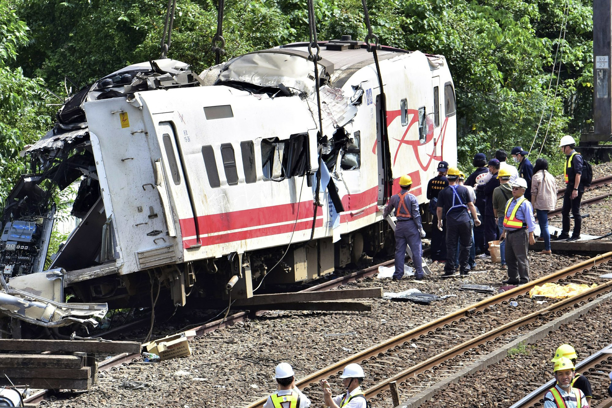 Taiwan president calls for clear probe of fatal train crash