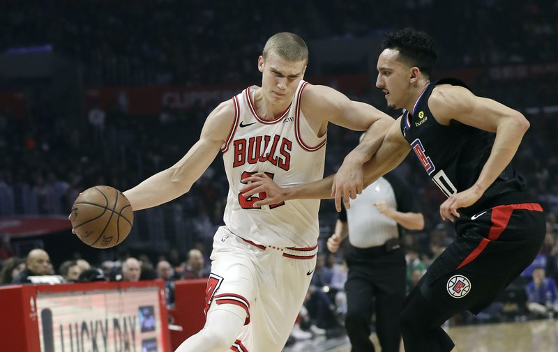 259336d07705 Gallinari scores 27 as Clippers rally for victory over Bulls