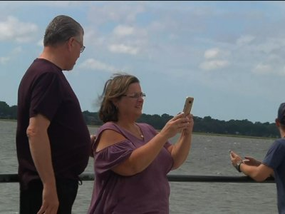 Charleston waits as Florence churns farther north