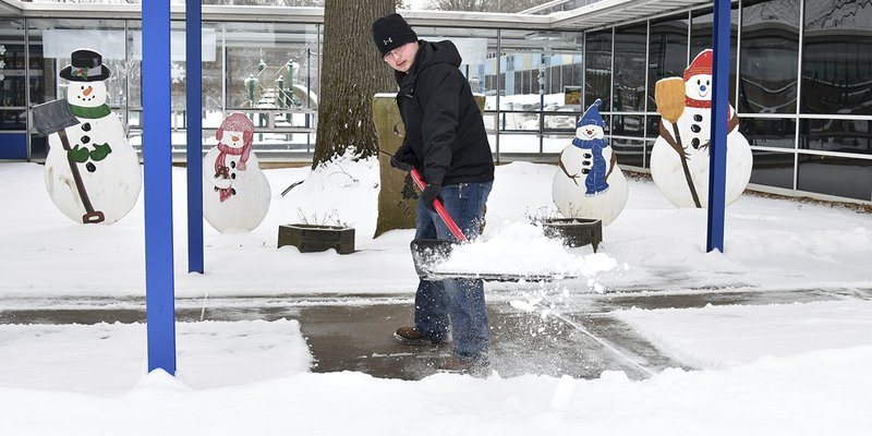 The Latest: Southern U's library floods due to frozen pipes