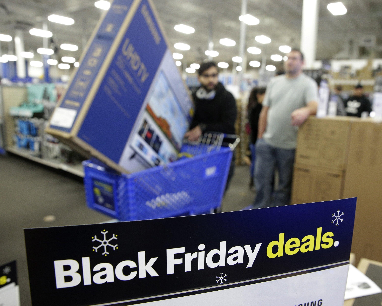 In Era Of Online Retail Black Friday Still Lures A Crowd