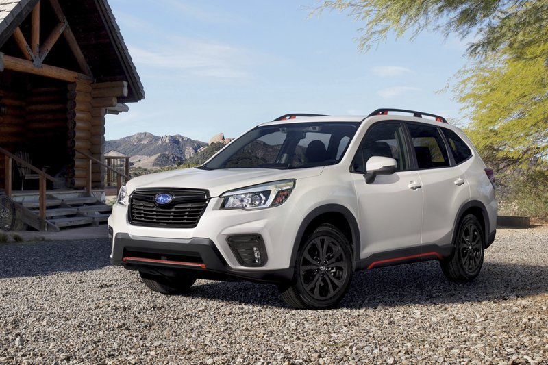 6b203a3719 Edmunds compares Toyota 4Runner and Subaru Forester