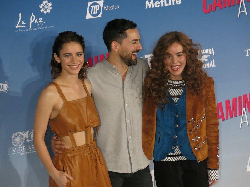 Tessa la, Luis Gerardo Mendez, Camila Sodi