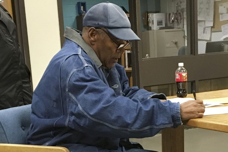 https://apnews.com/30ec1925f55346eebffd289c68ae6a43/O.J.-Simpson-out-of-prison-after-9-years-for-armed-robbery?utm_campaign=SocialFlow&utm_source=Twitter&utm_medium=APSouthRegion