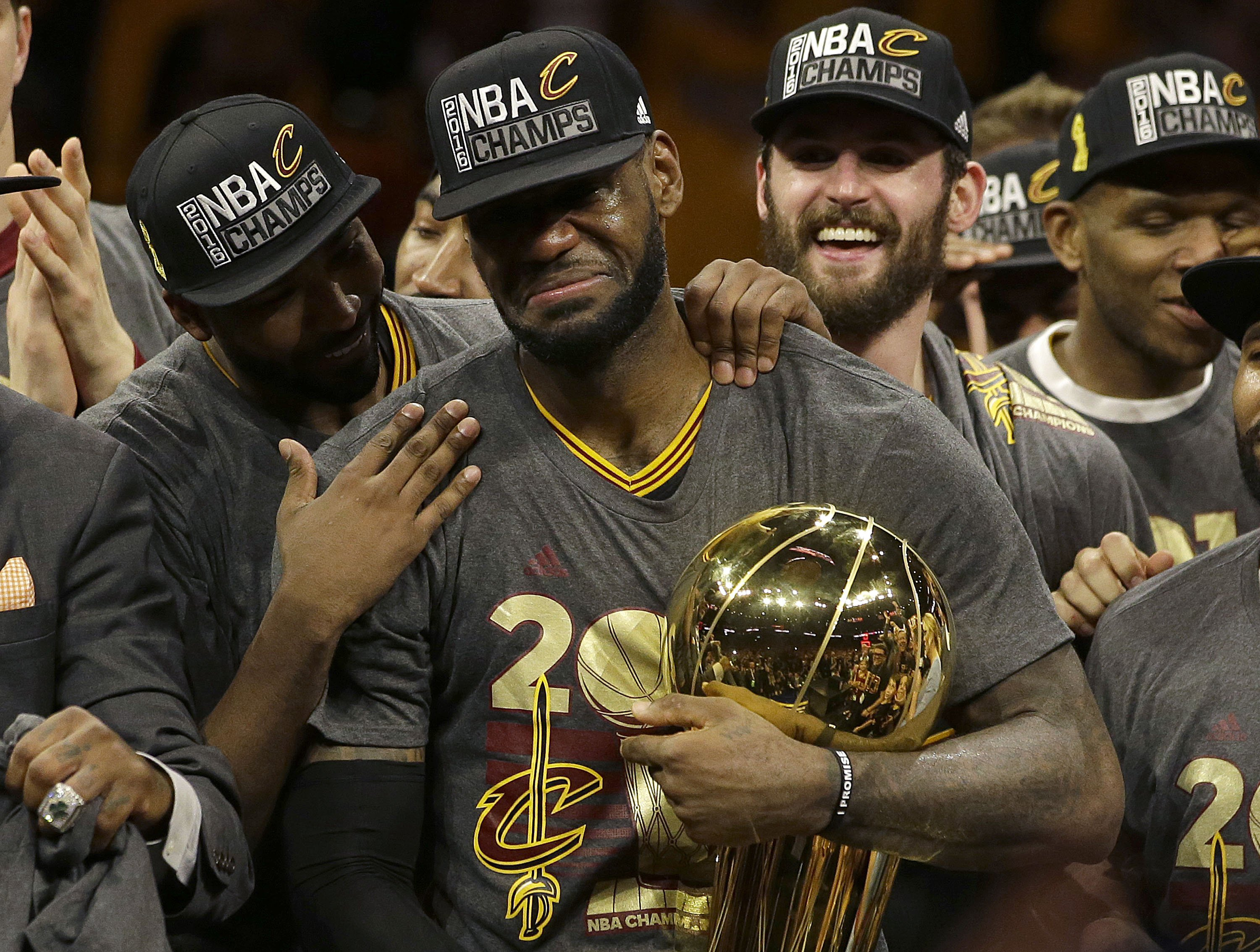 Cavs stop for Vegas party on way home to Cleveland