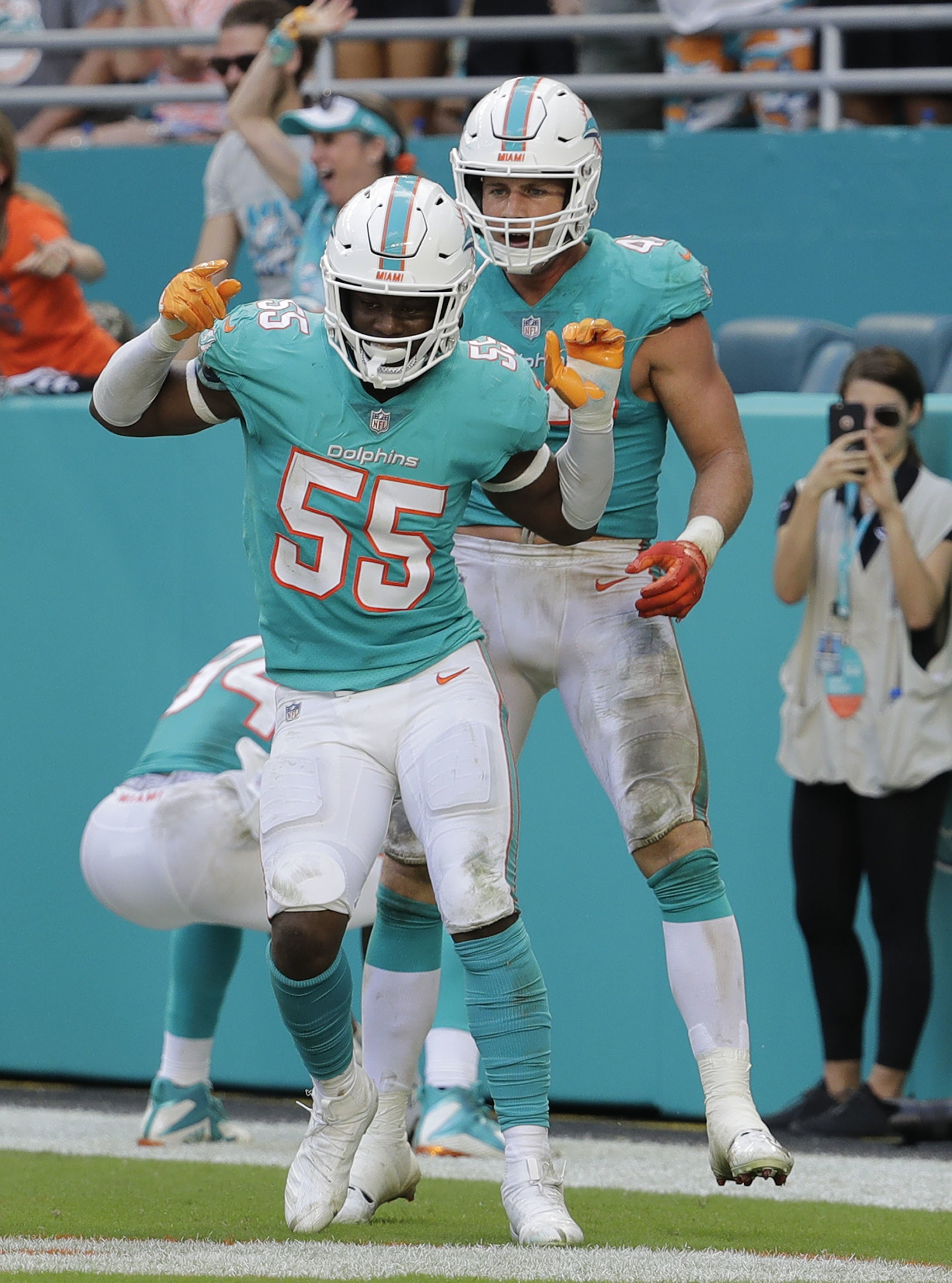 35a2c3f9 4 interceptions help Dolphins beat Darnold and Jets, 13-6