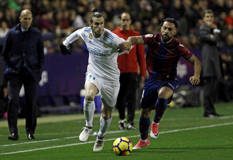 Lopez Alvarez, Gareth Bale