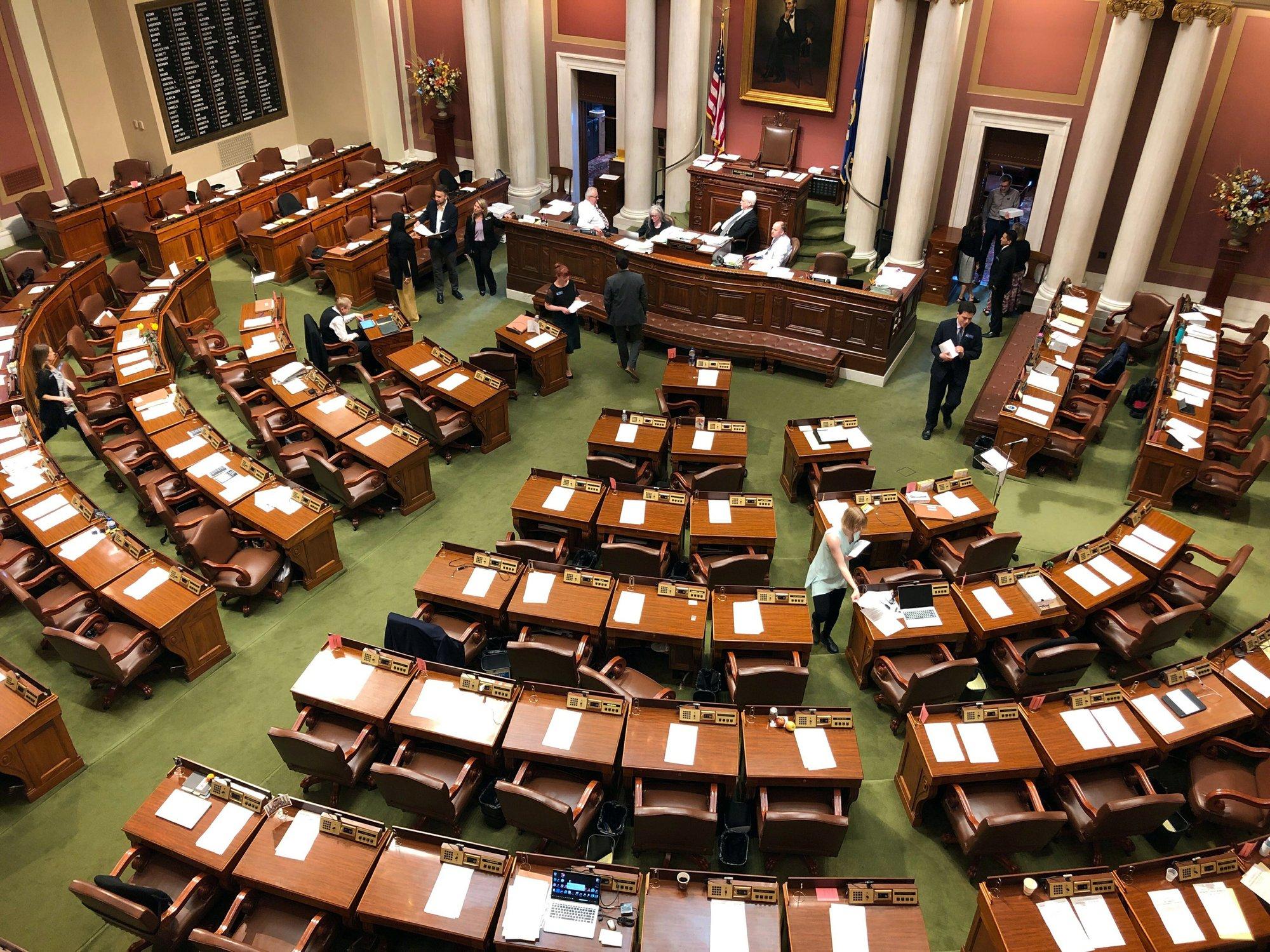 Senate GOP delays 'lights on' bill vote amid budget talks