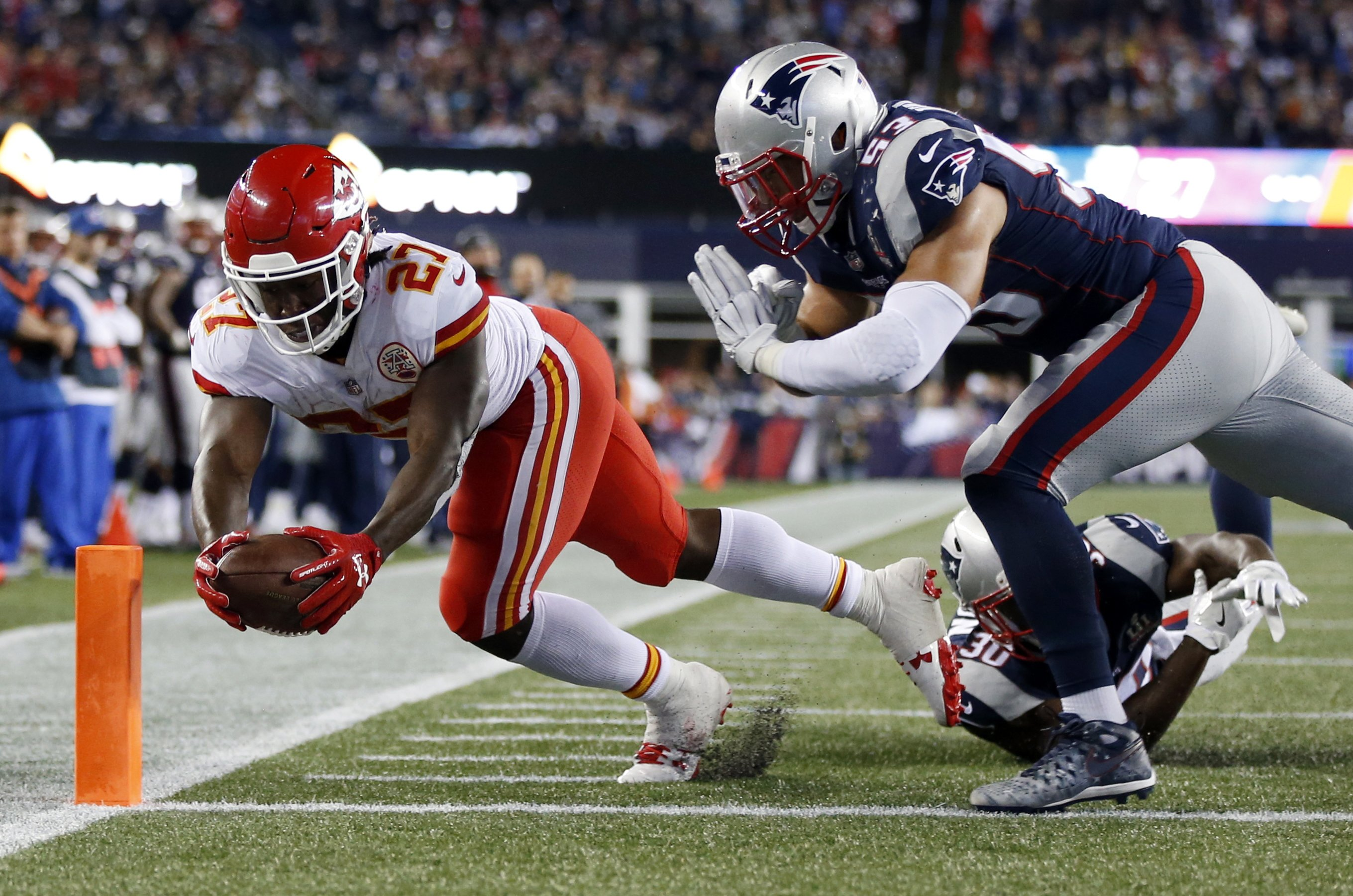 Super letdown: Patriots routed in 2nd half, Chiefs win 42-27