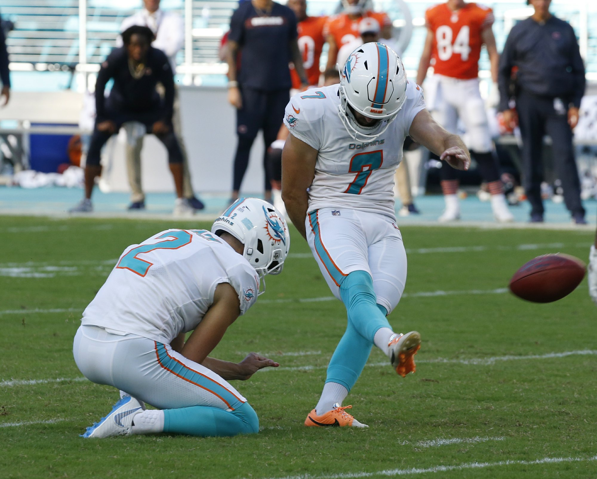Sanders kicks FG as Dolphins rally past Bears 31-28 in OT
