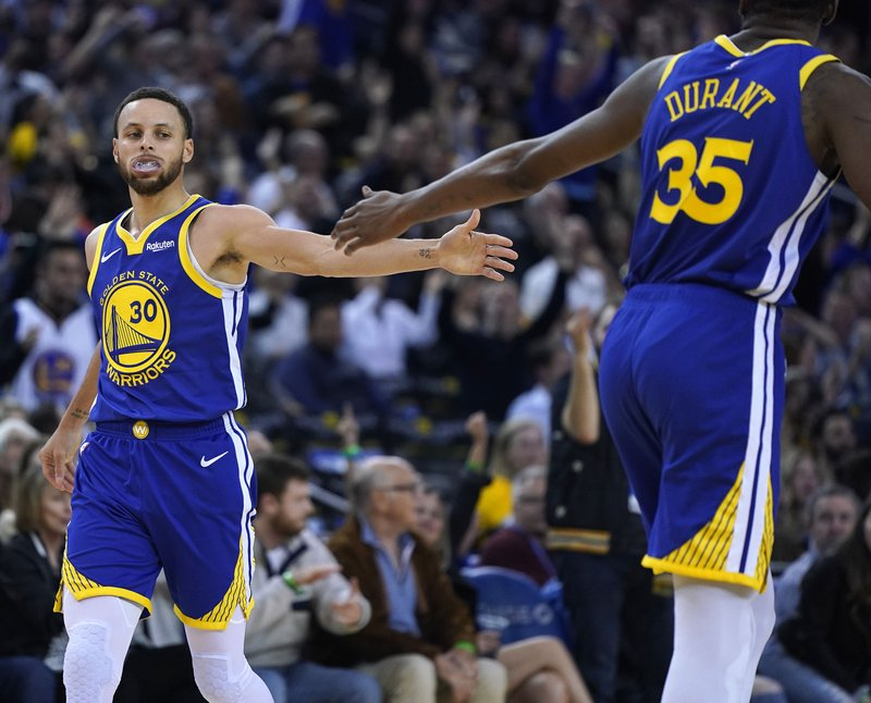 best service 0e5cb 41065 Warriors start playoff road, without LeBron there at the end