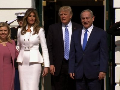 Raw: Netanyahu and Wife Greeted At White House