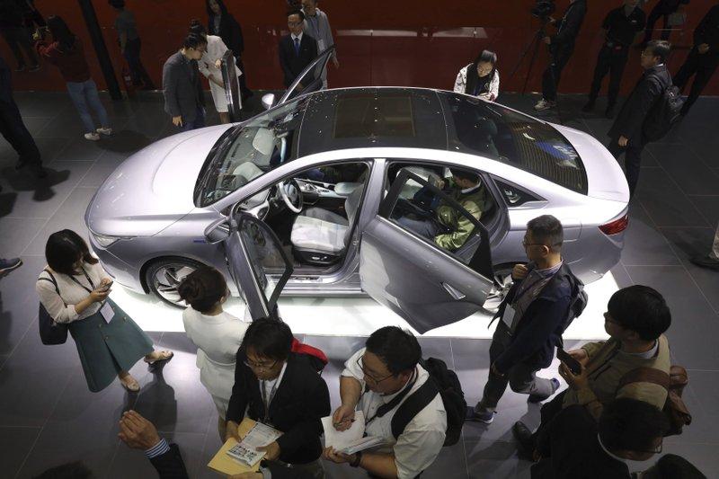 China's auto sales fall 17 7% in April, extending slump