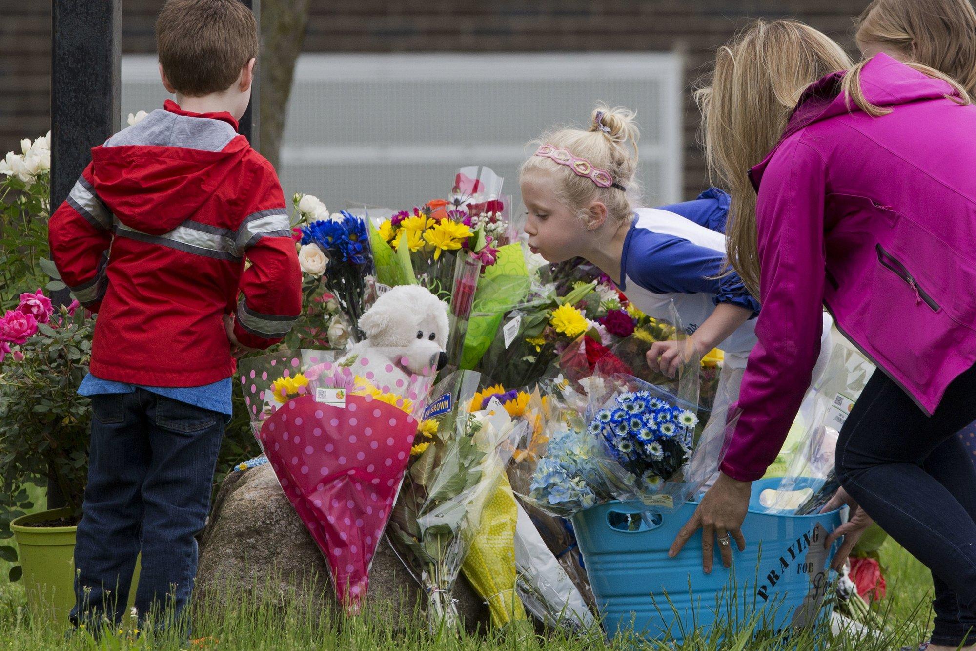 Funeral service held for girl killed in school bus crash izmirmasajfo